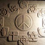 kerber_carving_art_peace_und_religionen_5.jpg